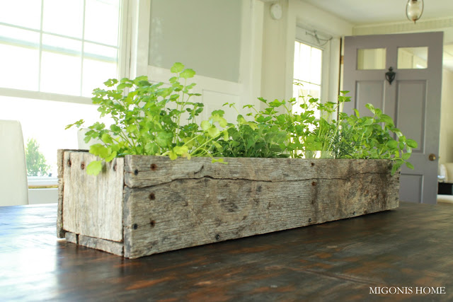 Kitchen-Herb-Garden-planter-in-Wood-Box