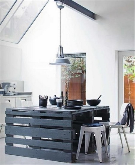 black-kitchen-island-from-pallet