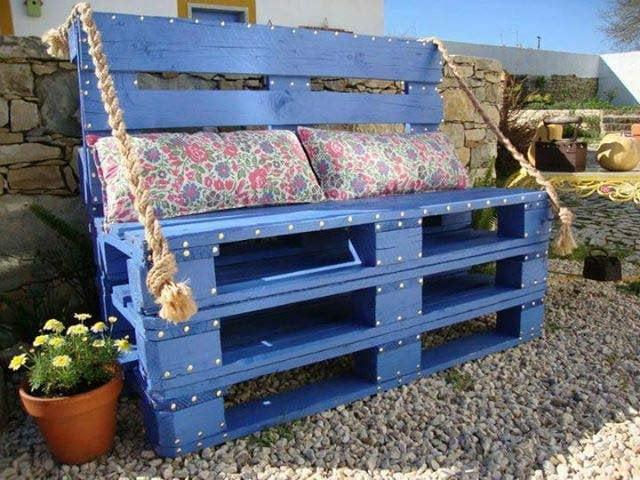blue-bench-pallete