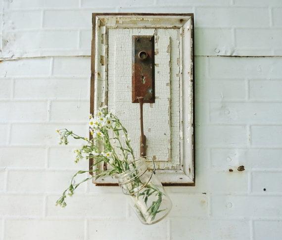 door-lock-in-painting