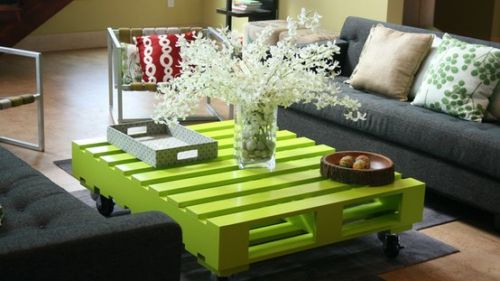 green-coffee-table-from-pallete