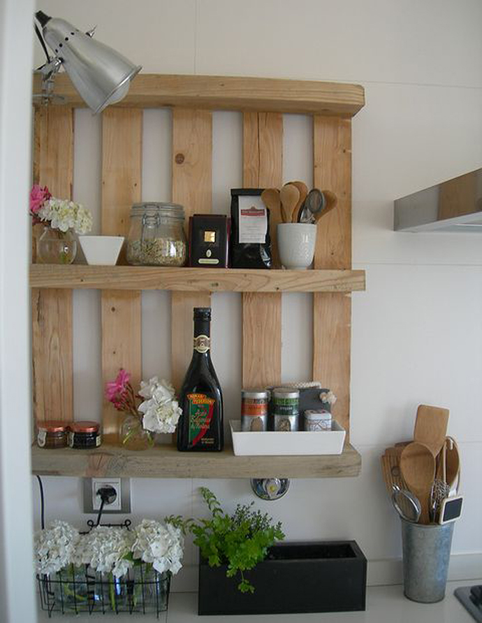 pallet-kitchen-shelf