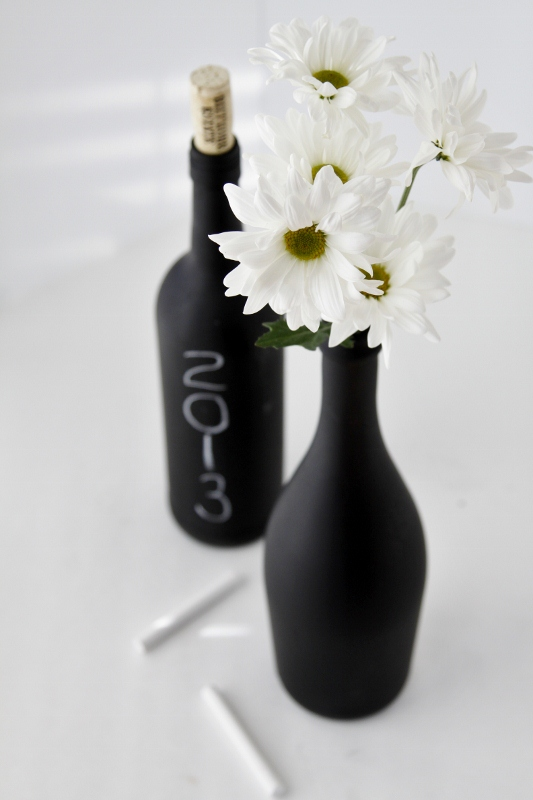 DIY-Chalkboard-Paint-Wine-Bottle