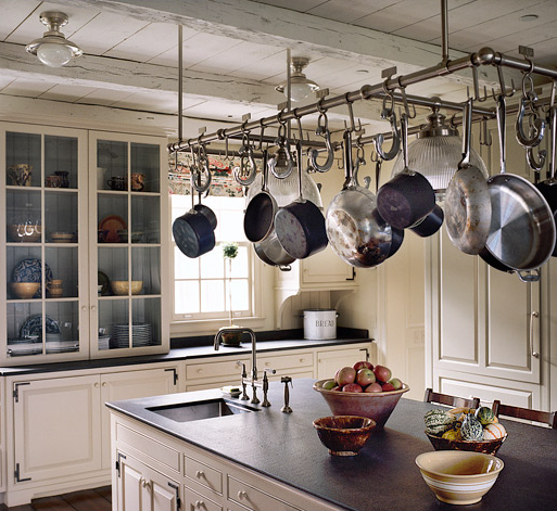 ceiling-hang-pans