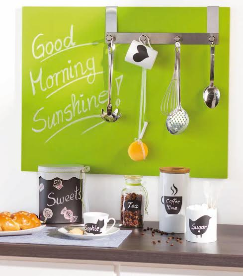 chalkboard-paint-kitchen-organizer