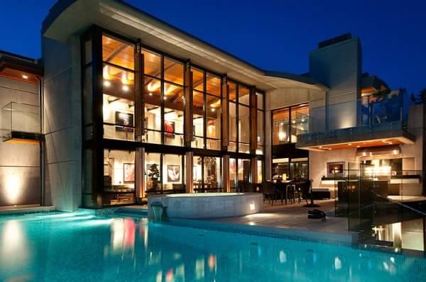 backyard-pool-square-night-view
