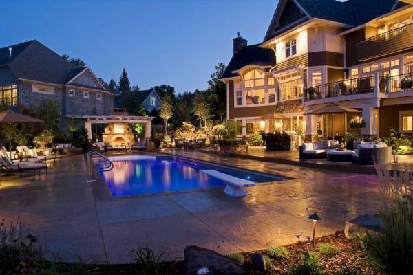 lakeside-pool