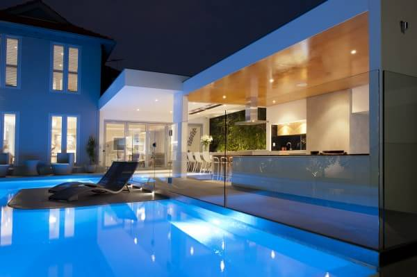 pool-glass-fence