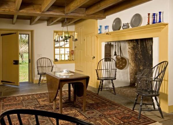 colonial-diningroom