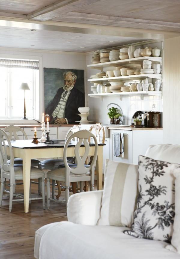 farmhouse-kitchen-interior