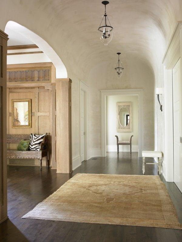 minimalist-entry