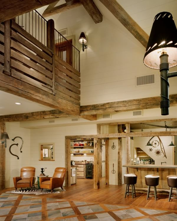 rustic-familyroom-loft