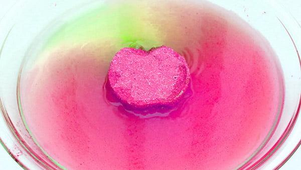 fizzling-bath-bomb-red